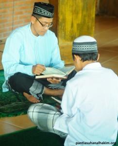Kegiatan Tahfidz Al Qur'an di Pimpin Ustad Uzi
